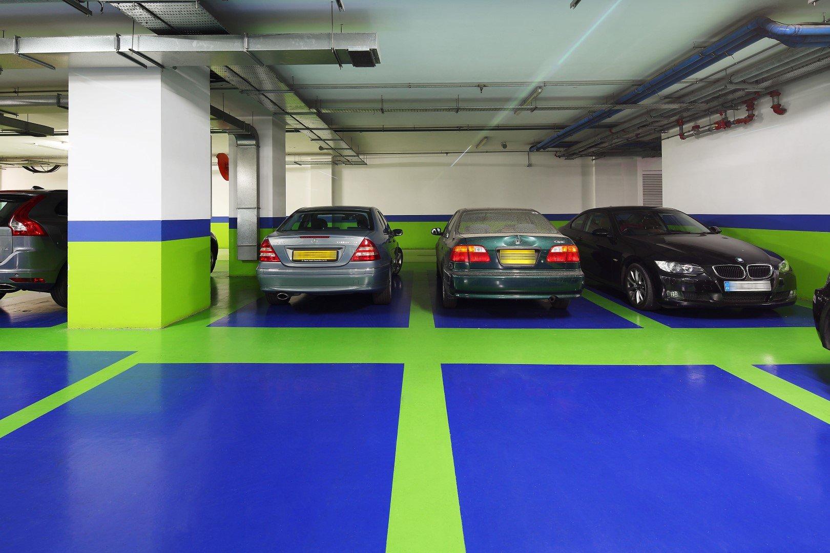 Έργο: Deloitte στη Λευκωσία  Αρχιτέκτονας: Seroff & Papadopoulos  Ημ. Εκτέλεσης:21/01/2010  Περιοχή: 2300 m2  Χρήση: Indoor parking lot  Προϊόν: UniPoxy Dynamic marking, UniPave